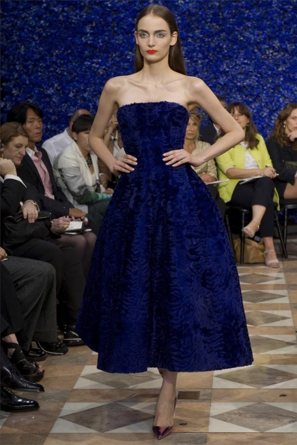 Paris-Haute-Couture-Dior-Autumn-Winter-2012-2013-Collection-15-600x899