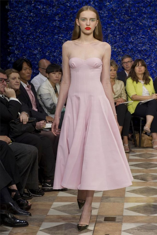Paris-Haute-Couture-Dior-Autumn-Winter-2012-2013-Collection-17-600x899