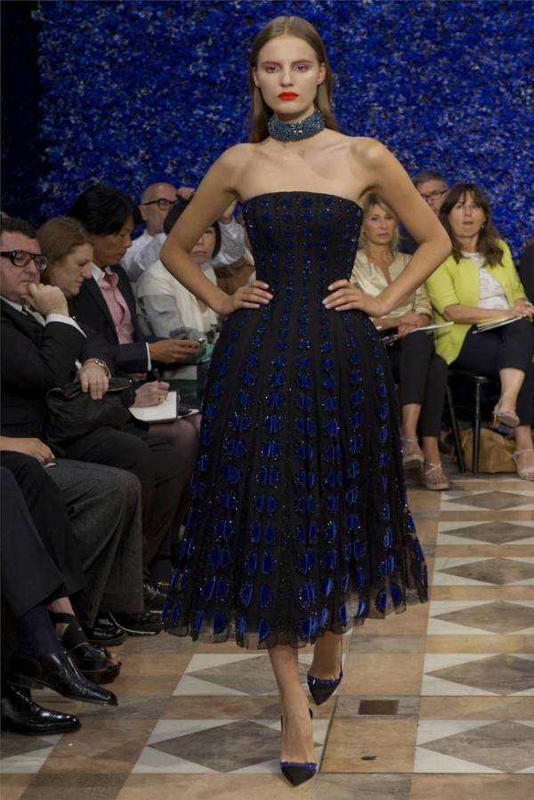 Paris-Haute-Couture-Dior-Autumn-Winter-2012-2013-Collection-20-600x899