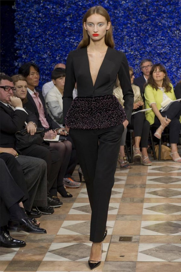 Paris-Haute-Couture-Dior-Autumn-Winter-2012-2013-Collection-24-600x899