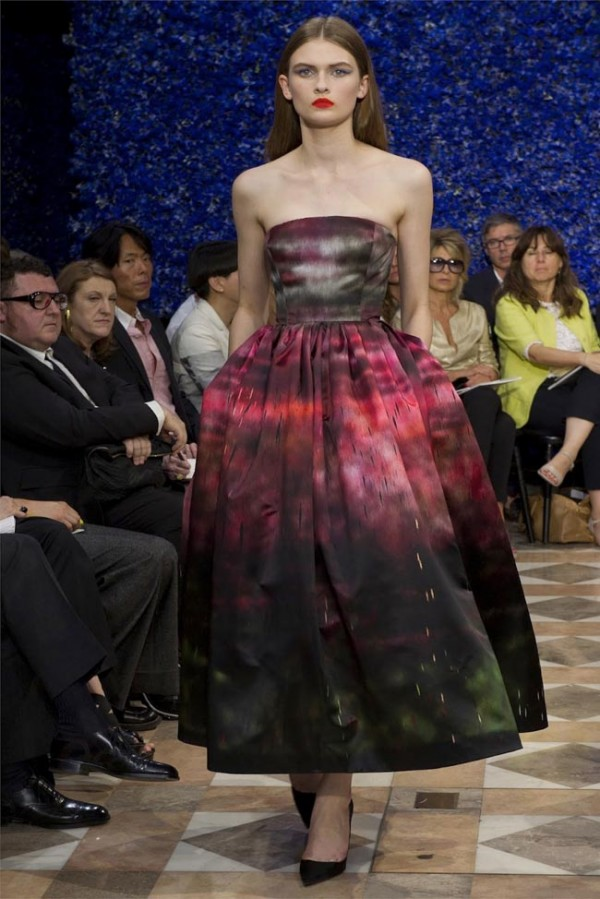 Paris-Haute-Couture-Dior-Autumn-Winter-2012-2013-Collection-29-600x899