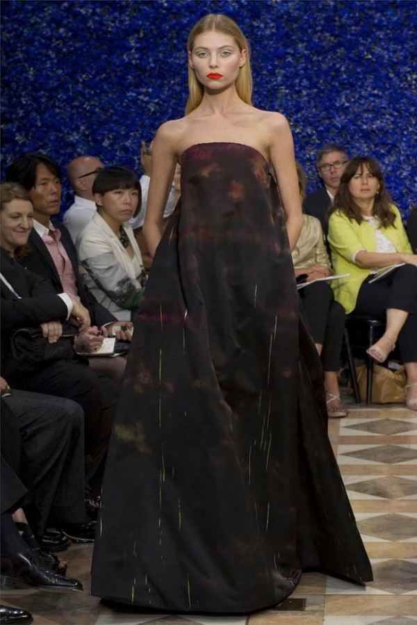 Paris-Haute-Couture-Dior-Autumn-Winter-2012-2013-Collection-30-600x899