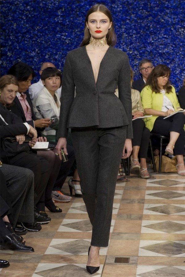 Paris-Haute-Couture-Dior-Autumn-Winter-2012-2013-Collection-34-600x899