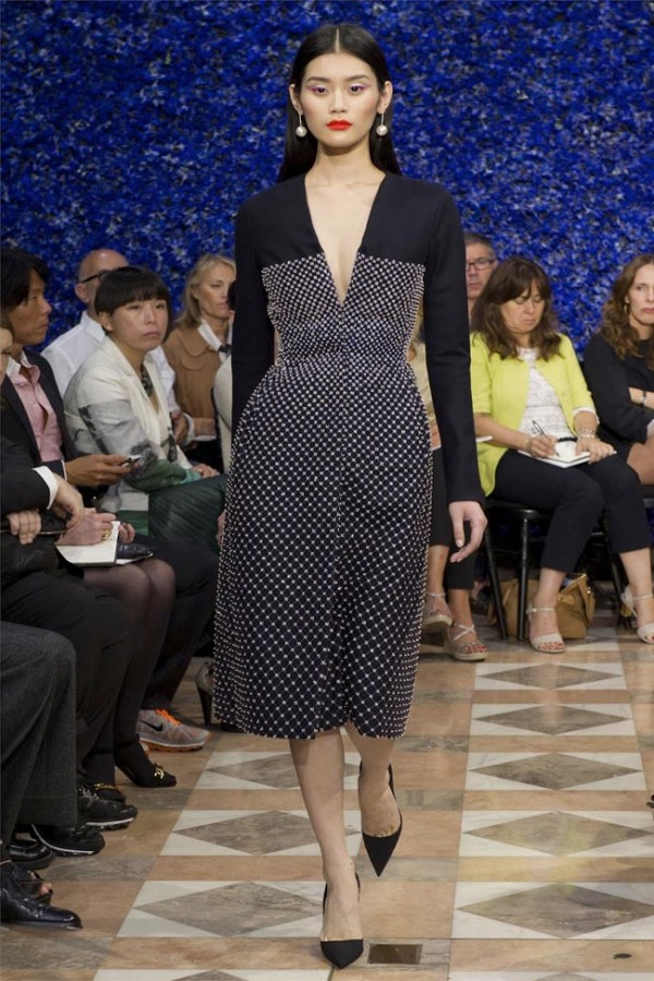 Paris-Haute-Couture-Dior-Autumn-Winter-2012-2013-Collection-37-600x899