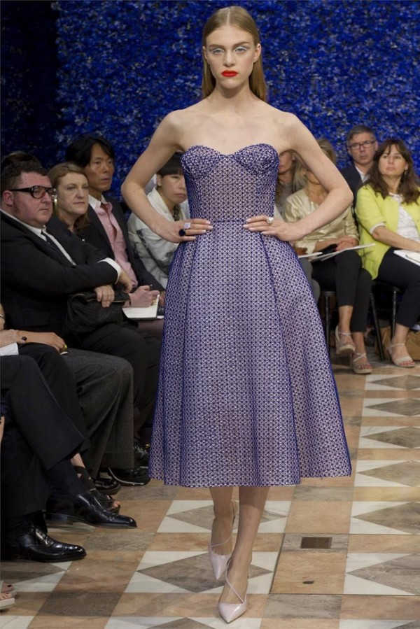 Paris-Haute-Couture-Dior-Autumn-Winter-2012-2013-Collection-40-600x899