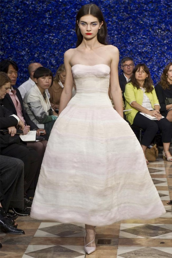 Paris-Haute-Couture-Dior-Autumn-Winter-2012-2013-Collection-43-600x899