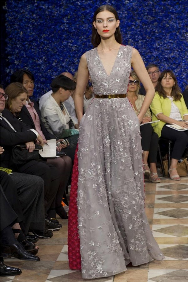 Paris-Haute-Couture-Dior-Autumn-Winter-2012-2013-Collection-47-600x899