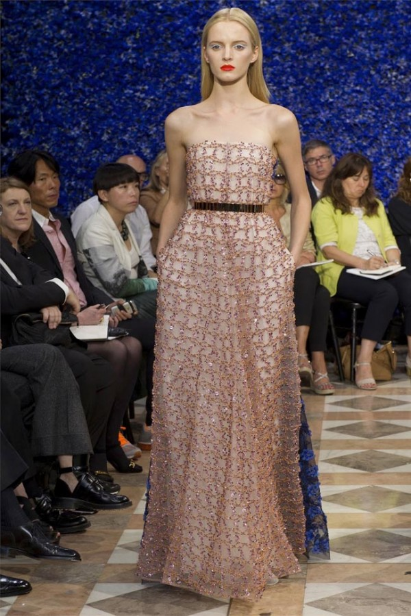 Paris-Haute-Couture-Dior-Autumn-Winter-2012-2013-Collection-49-600x899