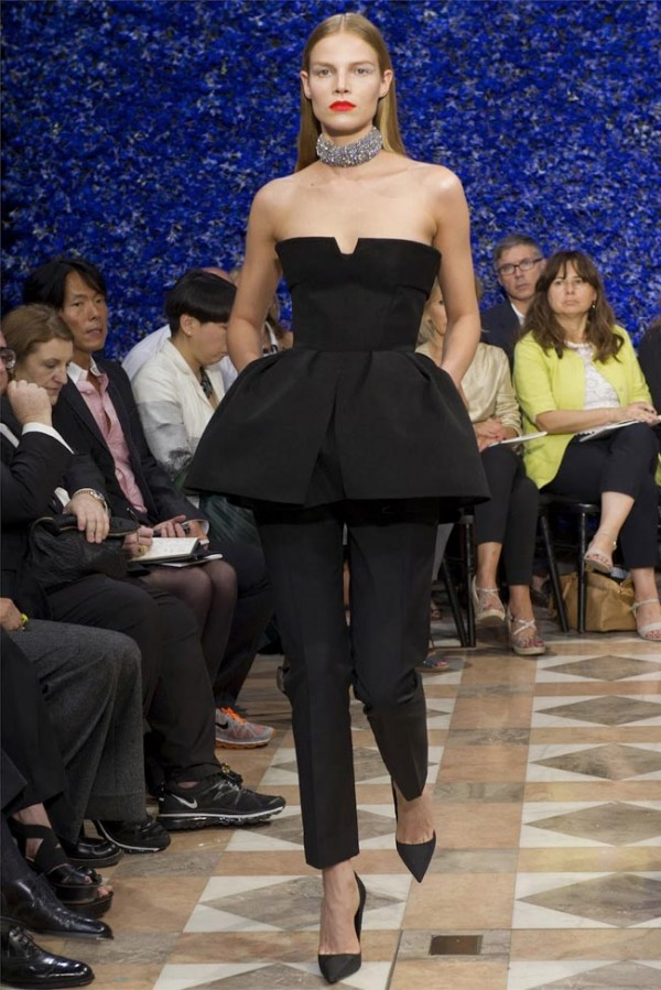 Paris-Haute-Couture-Dior-Autumn-Winter-2012-2013-Collection-5-600x899