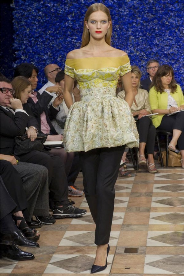 Paris-Haute-Couture-Dior-Autumn-Winter-2012-2013-Collection-7-600x899