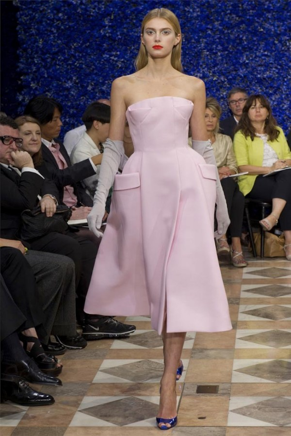 Paris-Haute-Couture-Dior-Autumn-Winter-2012-2013-Collection-9-600x899