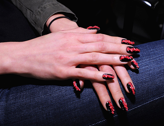 fashion-week-nail-art-2