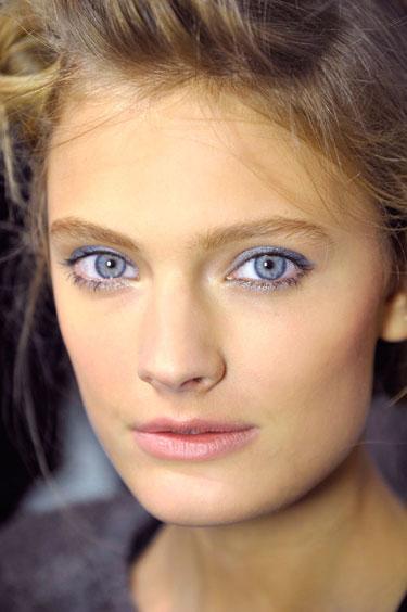 hbz-makeup-trend-ss13-blue-green-eyes-constance-jablonski-lgn