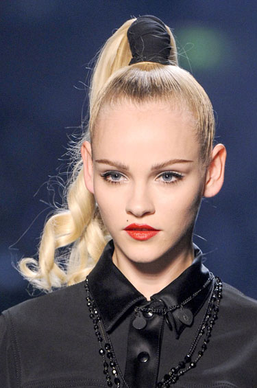 hbz-makeup-trend-ss13-red-lips-Gaultier-lgn