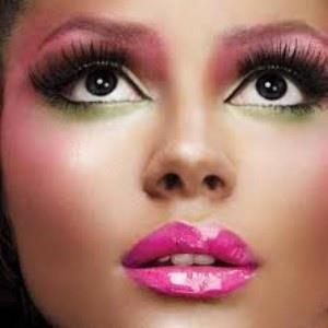 make up (8)