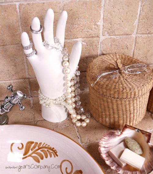 DIY: Jewelry Organization Idea