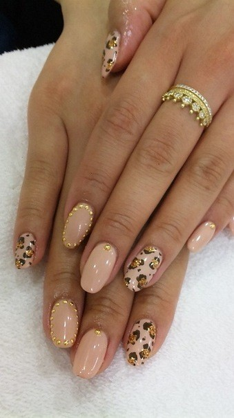 nails with gold (15)