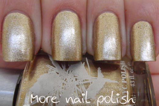 nails with gold (16)