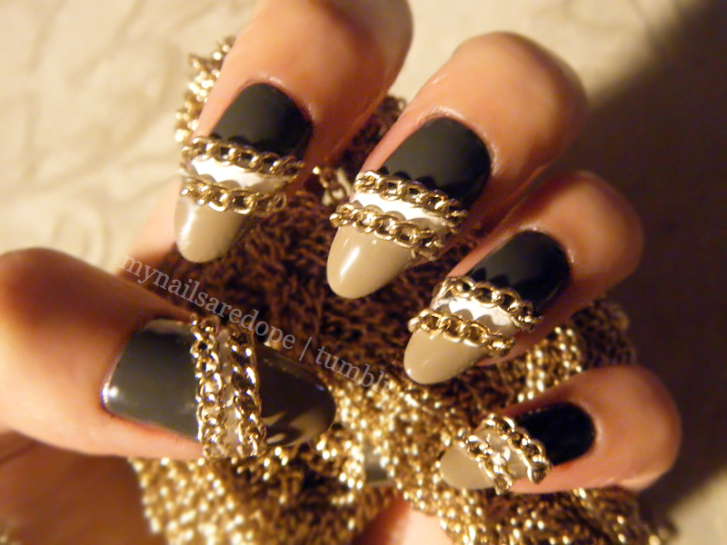 nails with gold (19)