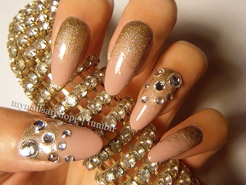 Nails With Gold 20