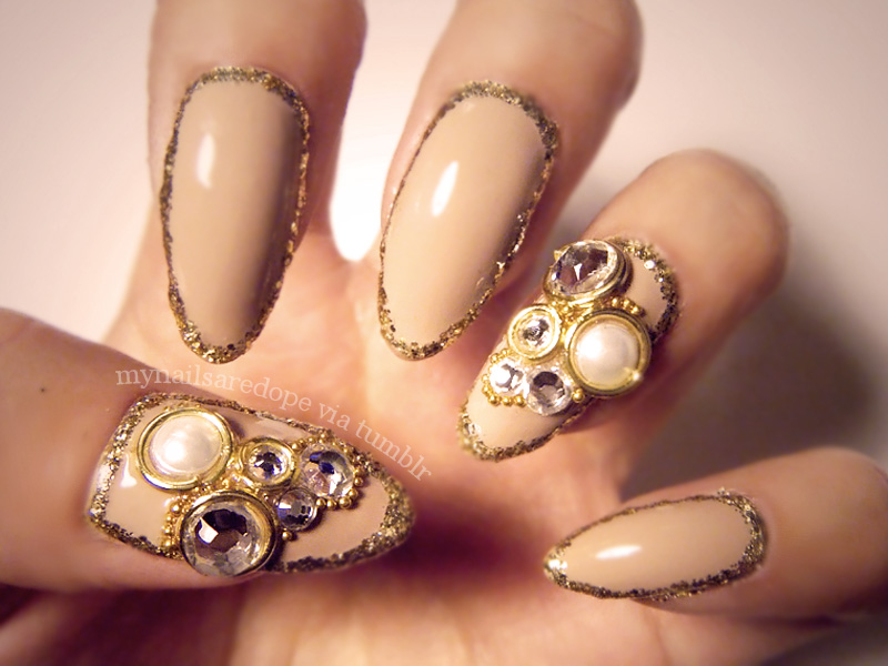 nails with gold (23)