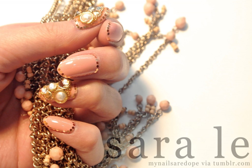 nails with gold (24)
