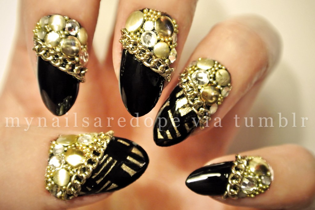 nails with gold (29)