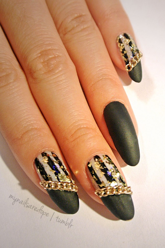 nails with gold (36)
