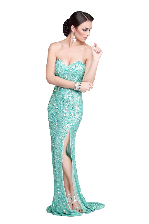 10 Primavera Evening Dresses