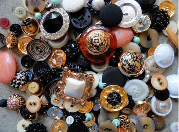 Accessories With Old Buttons (1)