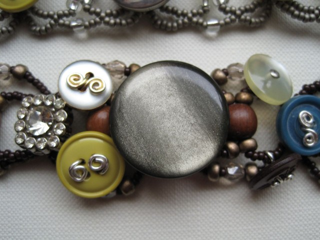 Accessories With Old Buttons (11)