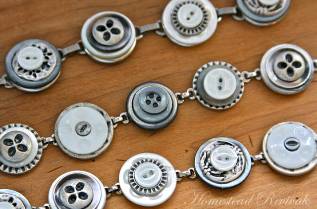 Accessories With Old Buttons (4)