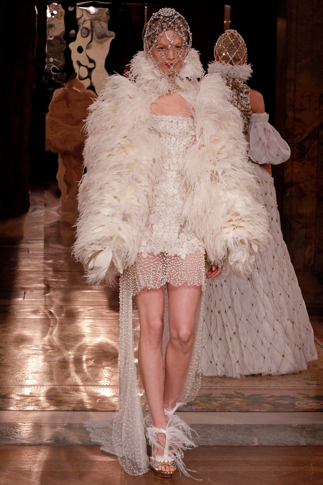 Alexander McQueen Fall 2013 Paris (11)