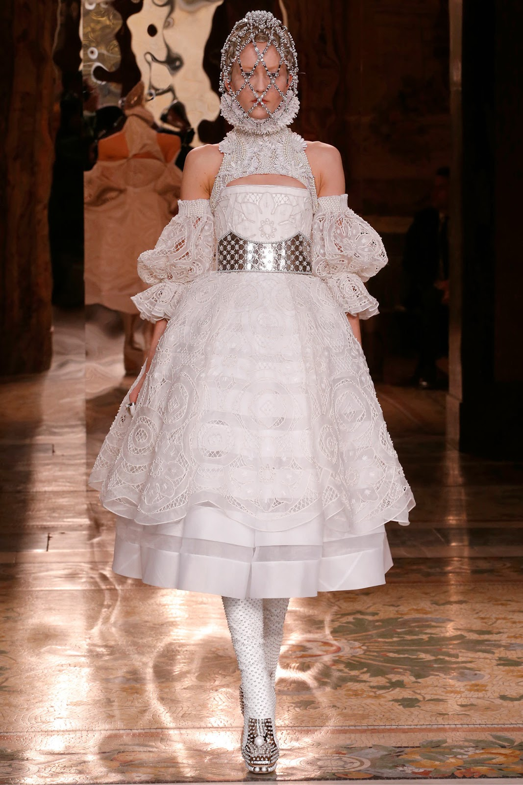 Alexander McQueen Fall 2013 Paris (2)