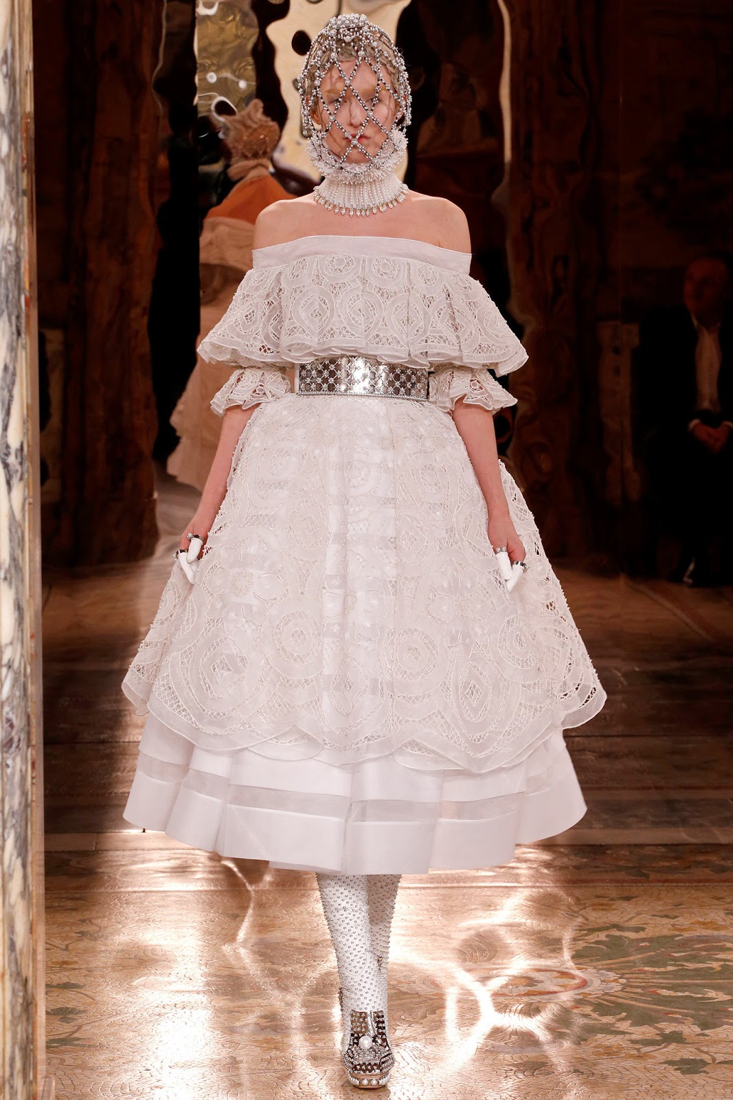Alexander McQueen Fall 2013 Paris (3)