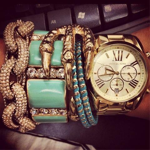 Bracelets (9)