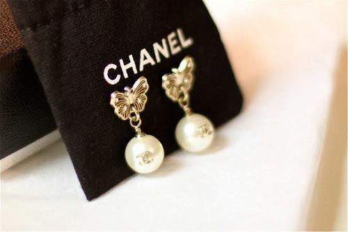 Chanel Accessories (1)