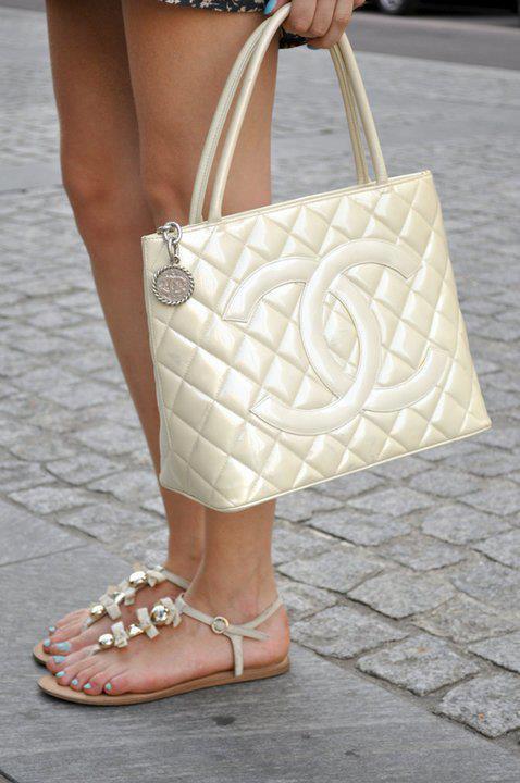 Chanel Accessories (17)