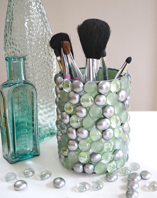Cool Make-up Brush Storage Ideas (12)