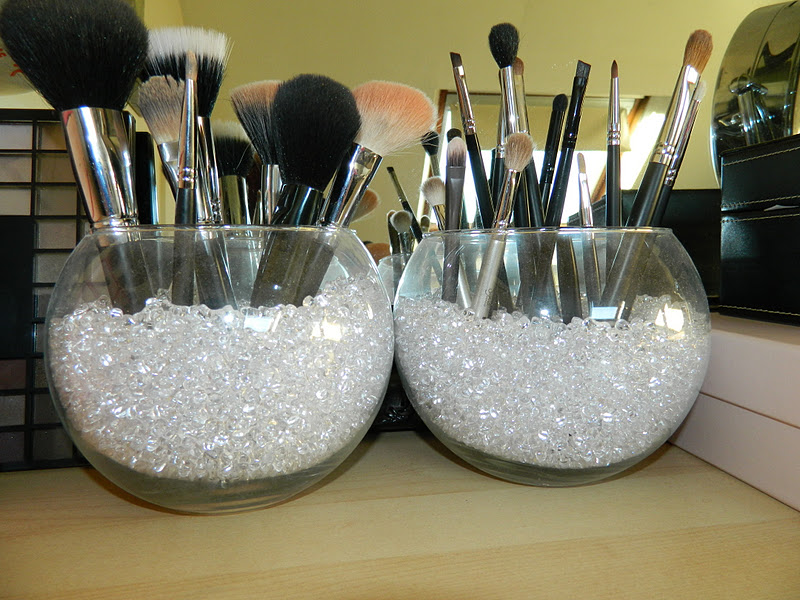 Cool Make-up Brush Storage Ideas (5)