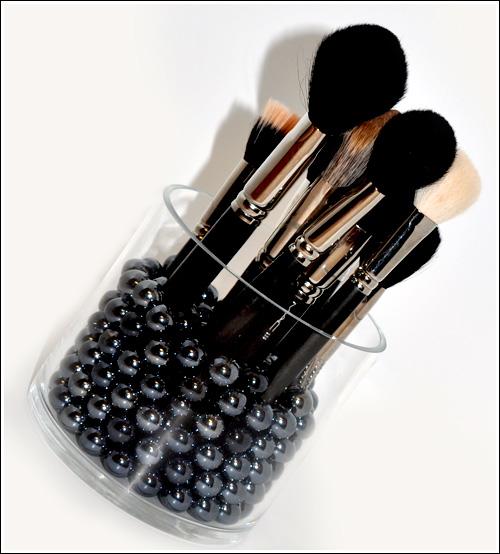 Cool Make-up Brush Storage Ideas (9)