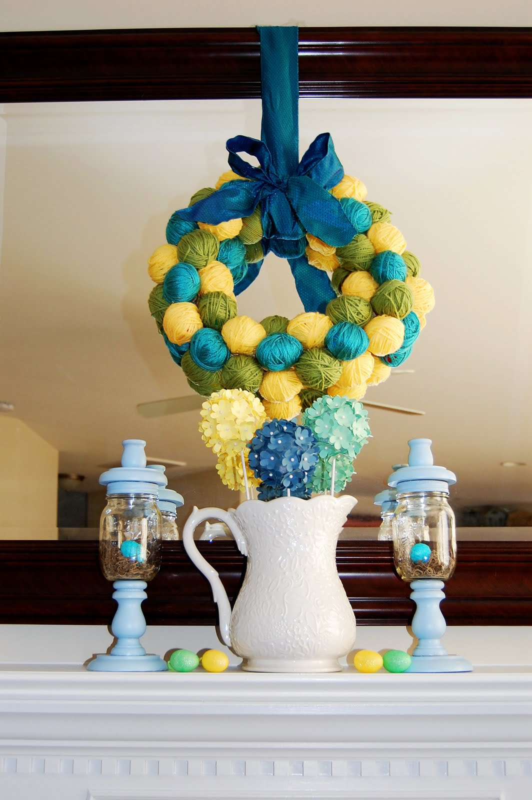 41 fashionable ideas to decorate your home for easter for Home decor centerpieces