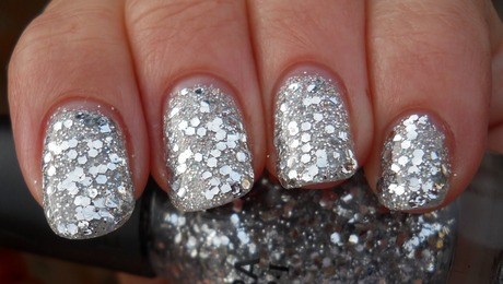 Glitter Nail Polish Ideas  (32)