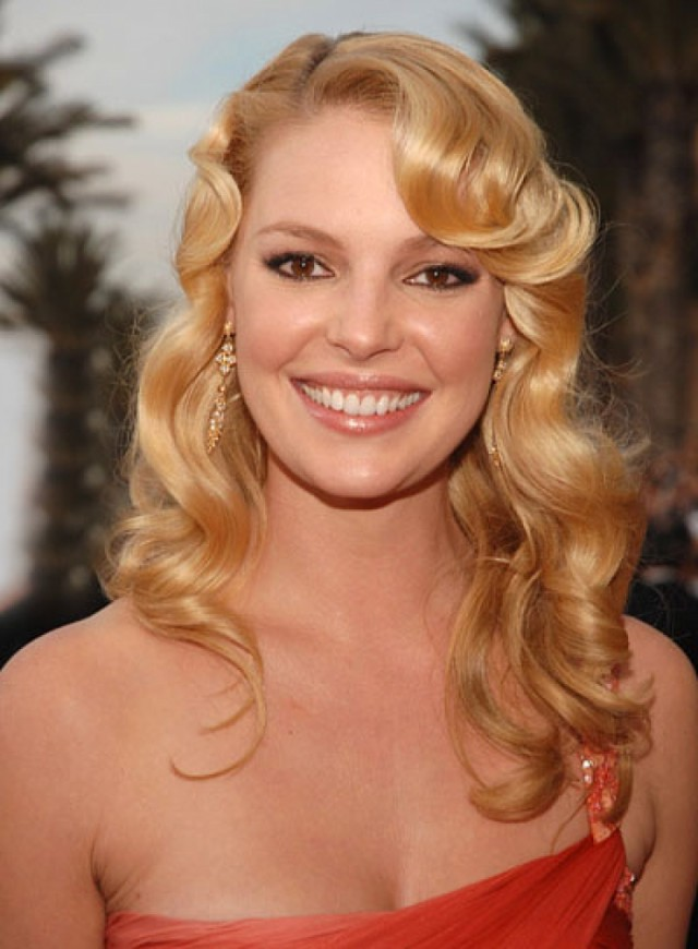 Hollywood curly hairstyle (5)
