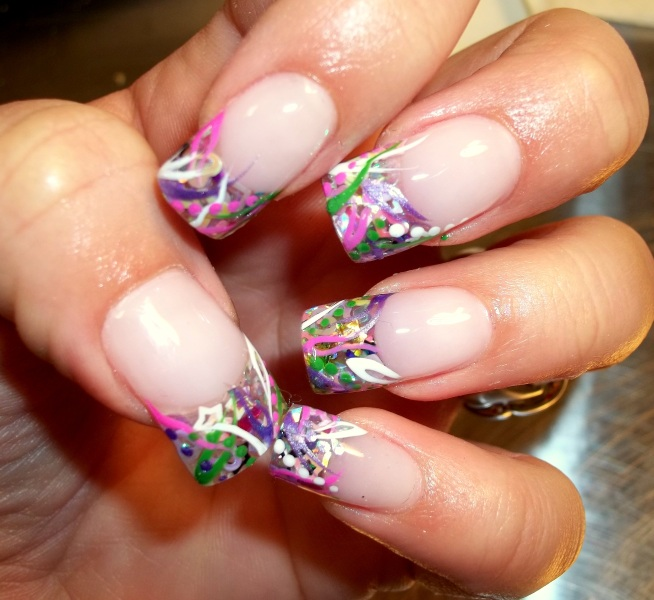 Hot beautiful spring nails ideas 42