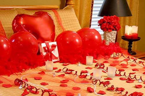 40 ideas for unforgettable romantic surprise that you can do - Romantic valentine room ideas ...