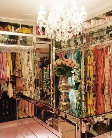 Interesting Ideas For Girls Dream Closet (16)