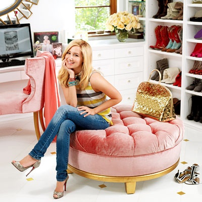 Interesting Ideas For Girls Dream Closet (17)