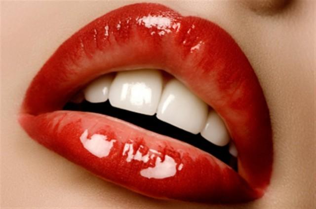 LIPSTICK LIPS (8)