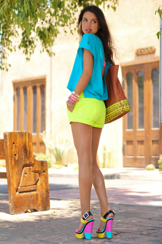 Neon Is An Attractive Color And This Season (15)